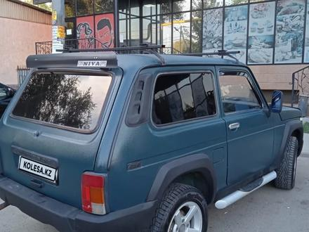 ВАЗ (Lada) 2121 Нива 2000 года за 1 100 000 тг. в Алматы – фото 2