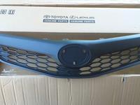 Решетка радиатора Toyota Camry 50 SE (Американец) за 163 тг. в Алматы