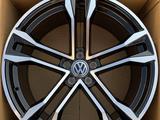 20 5 130 Volkswagen Touareg за 420 000 тг. в Нур-Султан (Астана)