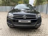 Volkswagen Touareg 2011 года за 6 000 000 тг. в Актобе – фото 2