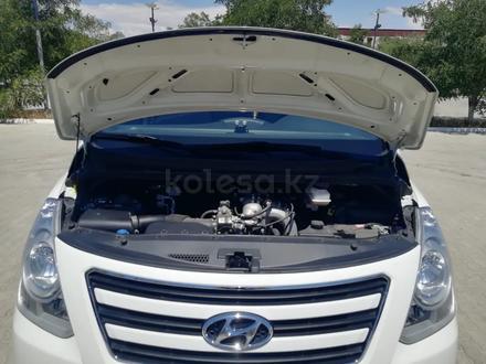 Hyundai H-1 2016 года за 9 900 000 тг. в Актау – фото 16