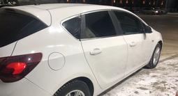 Opel Astra 2011 года за 1 990 000 тг. в Актобе