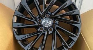 Новые фирменные диски Р17 Toyota Camry за 140 000 тг. в Алматы
