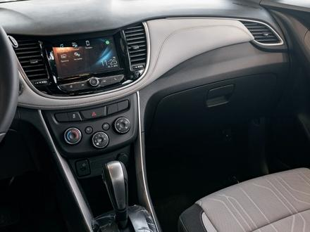 Chevrolet Tracker 2020 года за 7 790 000 тг. в Алматы – фото 15