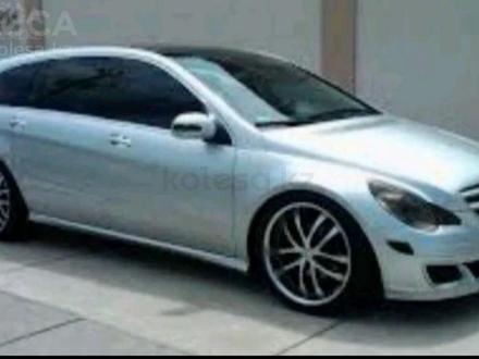 Mercedes-Benz R 350 2006 года за 5 300 000 тг. в Алматы