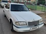 Mercedes-Benz C 180 1998 года за 1 000 000 тг. в Атырау – фото 4