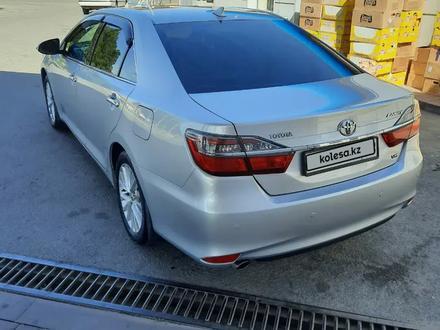 Toyota Camry 2015 года за 10 900 000 тг. в Шымкент – фото 2
