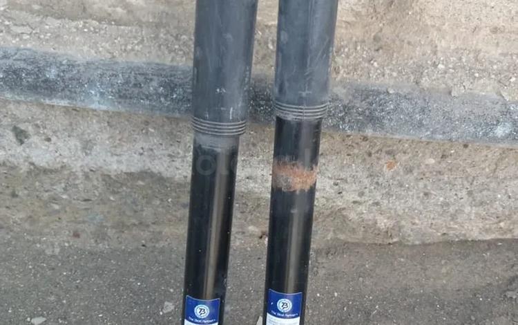 Задние амортизаторы Мерс 210-211 за 16 000 тг. в Атырау