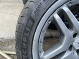 Оригинальные диски с резиной от Mercedes W211, 210 AMG за 250 000 тг. в Алматы – фото 2