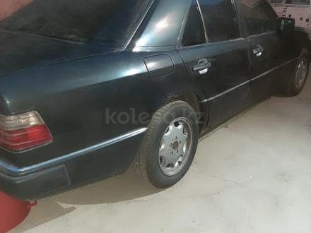 Mercedes-Benz E 260 1990 года за 1 500 000 тг. в Шымкент – фото 2
