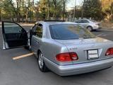 Mercedes-Benz E 320 1999 года за 5 000 000 тг. в Актау – фото 2