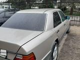 Mercedes-Benz E 220 1993 года за 1 700 000 тг. в Уштобе