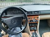 Mercedes-Benz E 220 1993 года за 1 700 000 тг. в Уштобе – фото 4