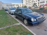 Mercedes-Benz E 240 1998 года за 2 300 000 тг. в Алматы – фото 2