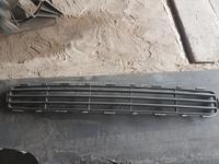 Решётка нижняя на бампер Тойота Авенсис за 7 000 тг. в Караганда