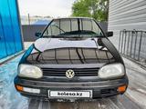 Volkswagen Golf 1994 года за 900 000 тг. в Алматы