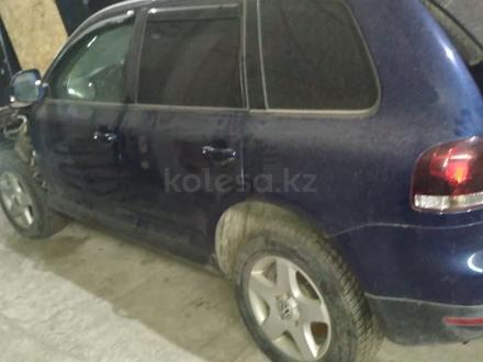 Редуктор передний на Volkswagen Touareg за 90 000 тг. в Алматы – фото 2