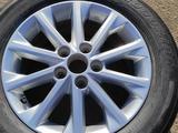 Диск с резиной на Toyota Camry 50 за 45 000 тг. в Алматы – фото 2