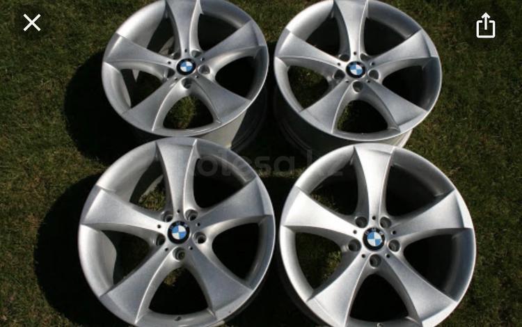 Диски на BMW 259 стиль р21 за 150 000 тг. в Караганда