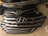 Решетка на Hyundai Santa Fe за 1 111 тг. в Алматы