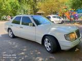 Mercedes-Benz E 280 1993 года за 1 950 000 тг. в Шымкент – фото 2