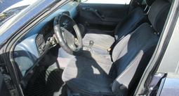 Volkswagen Passat 1993 года за 816 300 тг. в Актау – фото 4