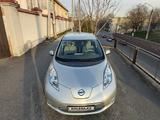 Nissan Leaf 2011 года за 7 000 000 тг. в Шымкент