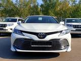 Toyota Camry 2020 года за 14 060 000 тг. в Актобе – фото 2