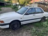 Mitsubishi Galant 1988 года за 400 000 тг. в Усть-Каменогорск – фото 2