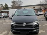 Volkswagen Multivan 2021 года за 30 780 000 тг. в Алматы