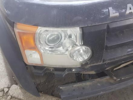 Фары передние Land Rover Discovery 3 за 65 000 тг. в Алматы – фото 2