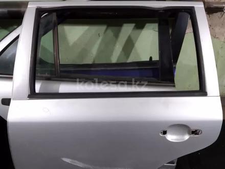 Дверь задняя левая на шкода октавия 1999 г. Универсал за 5 000 тг. в Караганда
