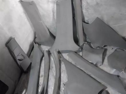 Пластик салона, задняя полка за 777 тг. в Караганда – фото 4