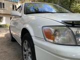 Toyota Camry 2001 года за 3 600 000 тг. в Алматы – фото 2