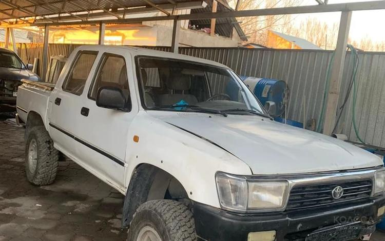 Toyota Hilux 1997 года за 1 900 000 тг. в Алматы