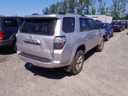 Toyota 4Runner 2018 года за 17 535 000 тг. в Алматы – фото 2