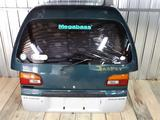 Крышка багажника (задняя дверь) за 30 000 тг. в Алматы – фото 2