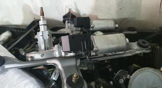 Моторчик дворника двери багажника за 18 000 тг. в Алматы
