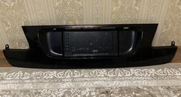 Накладка крышка багажника на GS 300, 350, 450h за 9 000 тг. в Алматы