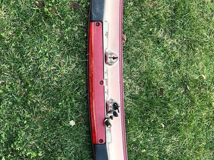 Спойлер, обшивка багажника ручка багажника за 15 000 тг. в Алматы – фото 2