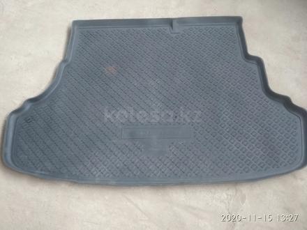 Резиновый коврик для багажника Хендай акцент за 10 000 тг. в Алматы