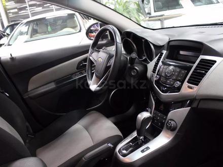 Chevrolet Cruze 2011 года за 3 350 000 тг. в Семей – фото 6