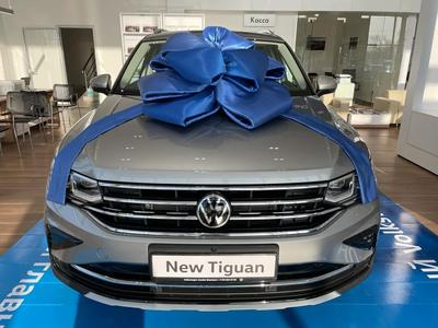Volkswagen Tiguan Status 2.0 2021 года за 15 146 000 тг. в Шымкент