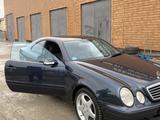 Mercedes-Benz CLK 230 2000 года за 2 500 000 тг. в Атырау – фото 2