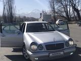 Mercedes-Benz E 320 1996 года за 3 000 000 тг. в Алматы