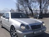 Mercedes-Benz E 320 1996 года за 3 000 000 тг. в Алматы – фото 2