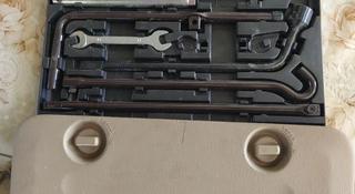 Инструменты карман-сеточка на обшивку двери багажника Прадо 120 за 25 000 тг. в Алматы