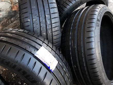 Шины Michelin 235/45/r20 PS4 за 126 000 тг. в Алматы
