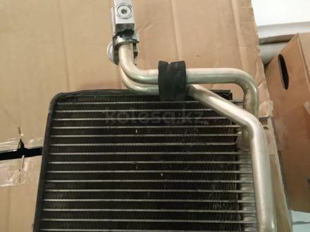 Радиатор кондиционера испаритель за 13 000 тг. в Алматы
