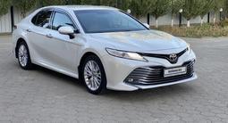 Toyota Camry 2019 года за 13 400 000 тг. в Актобе – фото 3